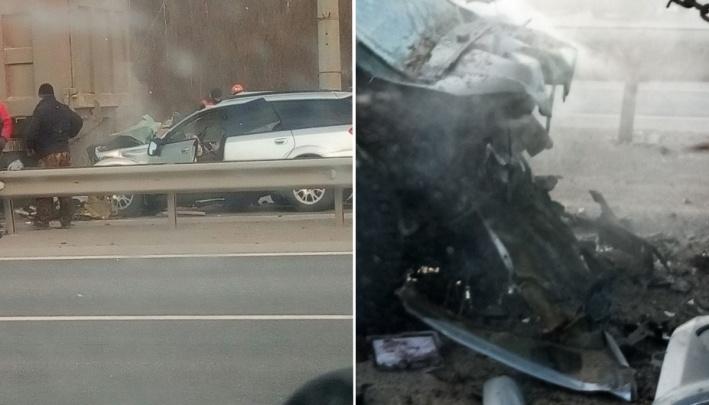 У водителя остались жена и двое детей. Подробности смертельной аварии в Тобольске