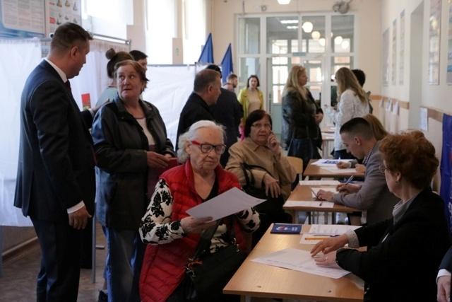 Сегодня челябинцы голосовали за кандидатов, которые смогут участвовать в выборах 8 сентября
