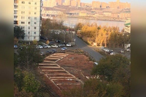 Не меньше 10 павильонов появится на площадке, где жители хотели сделать парк