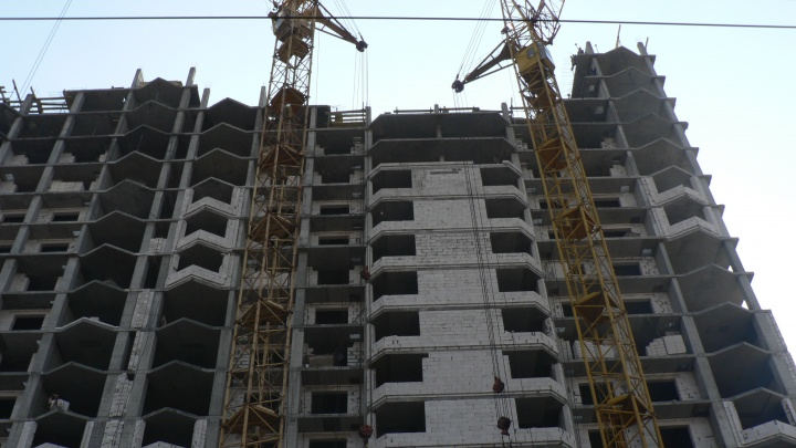 «Строительство встало»: в Самарской области констатируют низкий спрос на покупку жилья