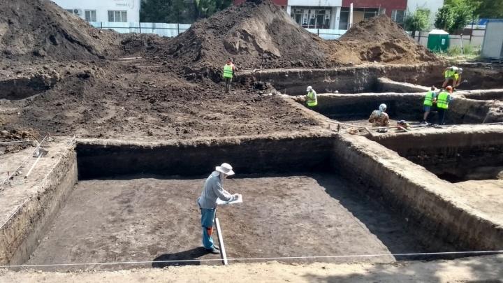 Рядом с Фрунзенским мостом обнаружили артефакты XVIII-XX веков