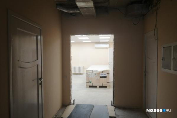 Теперь в кабинете есть не только новый томограф, но и новые дверной проём и окно