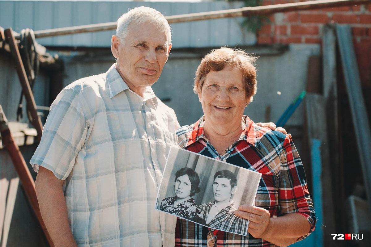 Тюменцы Владимир и Екатерина Пузыревы счастливы в браке 45 лет и даже не думают о разводе. Но так получается не у всех