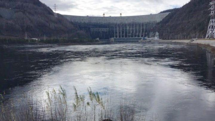 Красноярец запустил над Саяно-Шушенской ГЭС квадрокоптер и получил штраф