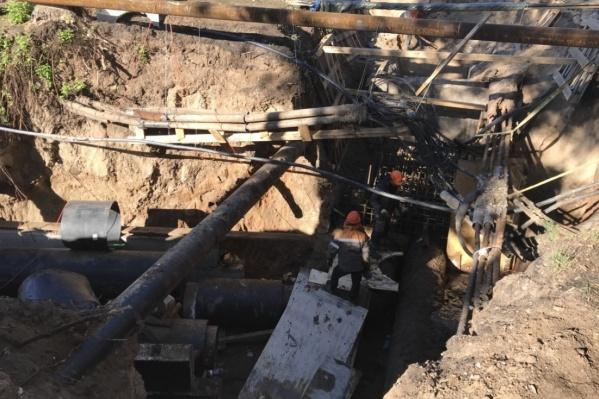 Горожане остались без горячей воды из-за ремонта труб на Урицкого