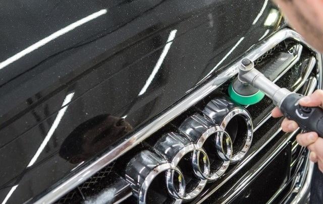 Екатеринбуржцы смогут оставить царапины и вмятины на кузове авто в старом году со скидкой до 30%