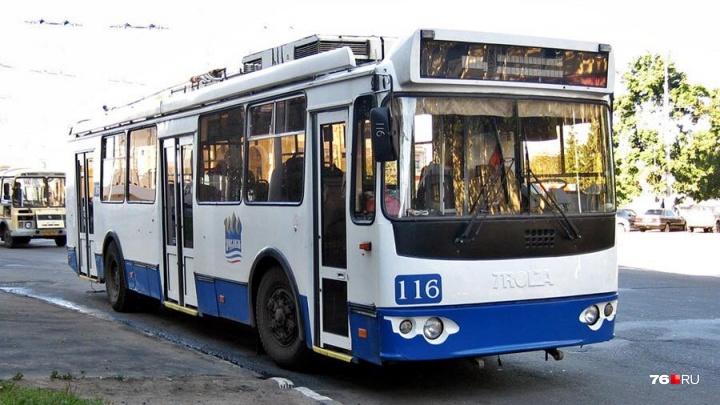 В Ярославле изменят маршруты автобусов и троллейбусов: схема объезда и новые остановки