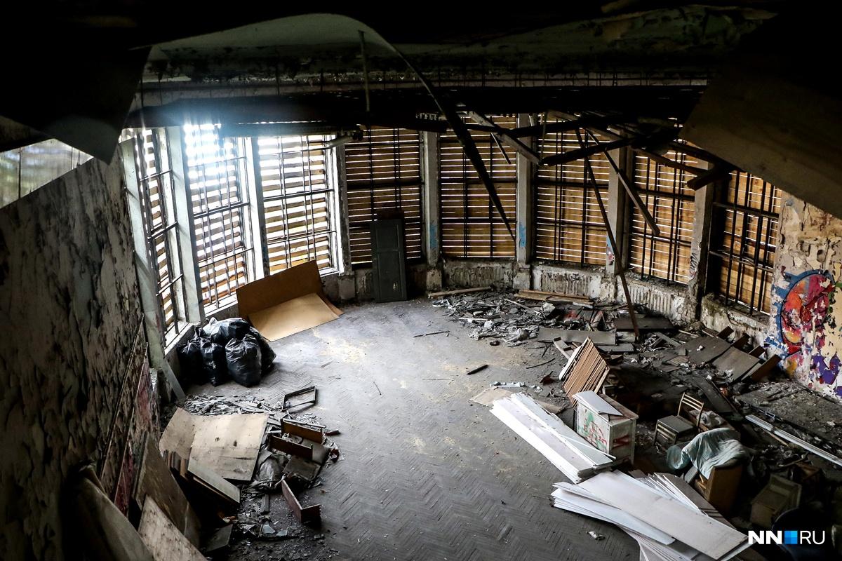 Современное состояние здания ужасно