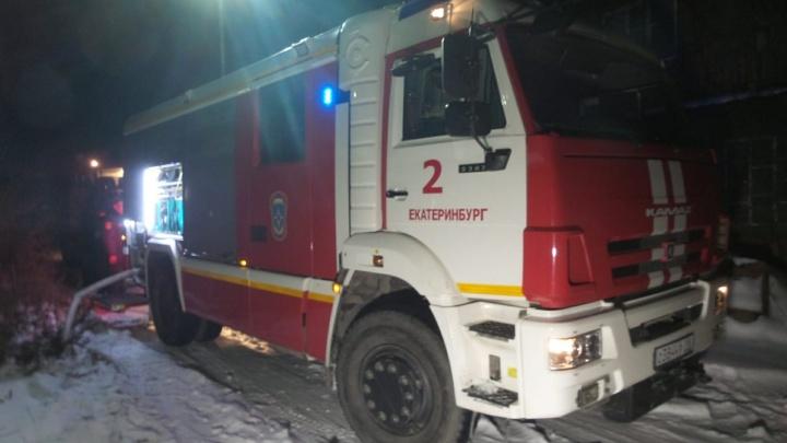 В Екатеринбурге 70-летний дедушка погиб при пожаре в собственном доме
