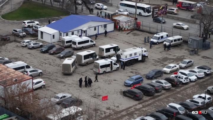 Это рейд: в силовых структурах рассказали, зачем к центральному автовокзалу нагнали спецназ