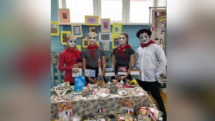 В лицее Красноярска собрали 147 тысяч на лечение мальчика с редкой болезнью крови