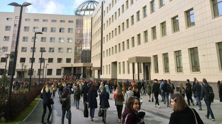 Из НГУ эвакуировали студентов и преподавателей