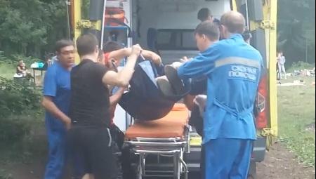 Проткнул шампуром: охранник гипермаркета напал на мужчину в Уфе