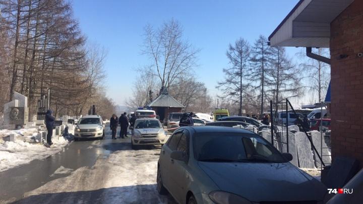 «Начался передел рынка?»: на челябинском кладбище расстреляли двоих мужчин