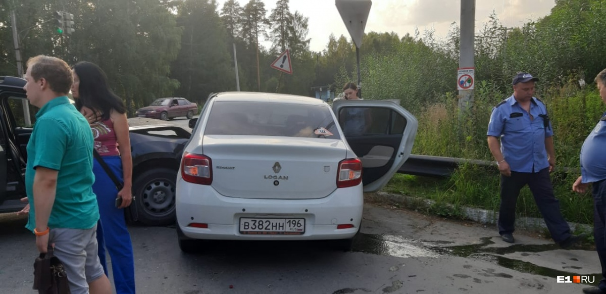 Другие участники ДТП утверждают, что виновник — водитель Opel — был пьян