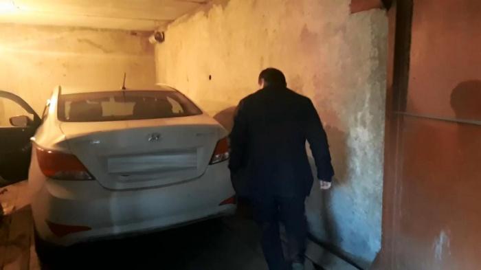 Угнанную машину нашли в гараже на ЖБИ