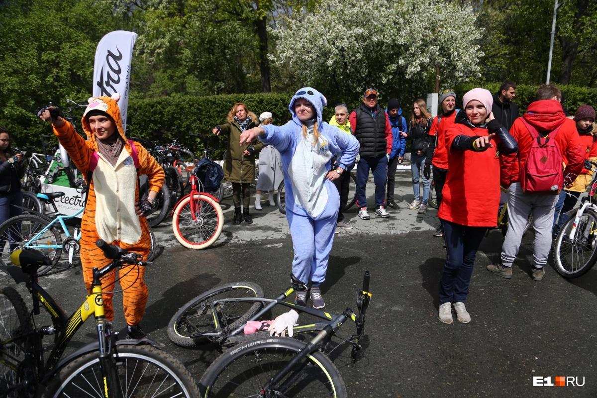 Велосипедисты устроили танцевальный флешмоб