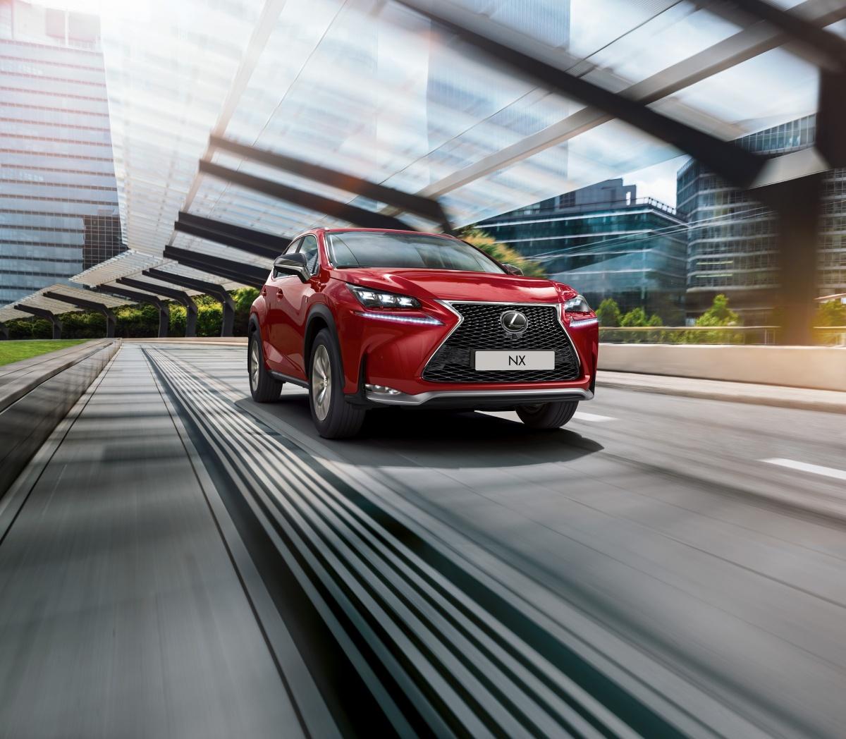 Lexus NX назван одним из самых продаваемых автомобилей премиум-класса