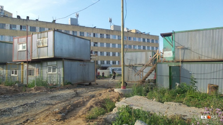 На стройплощадке жилого комплекса на Вторчермете во время пожара погиб рабочий
