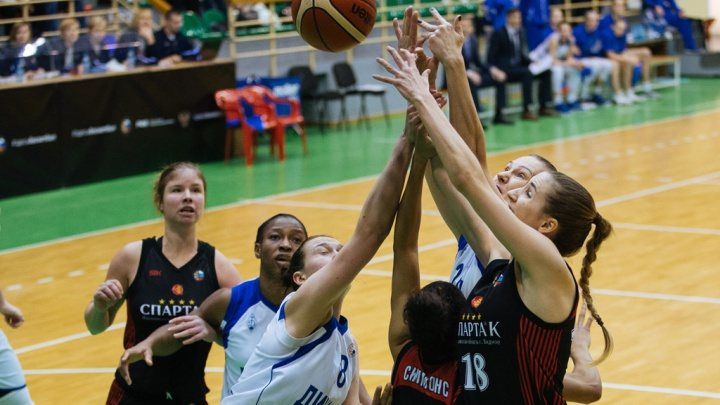 Баскетбол: БК «Динамо» в напряжённом матче уступил гостям из подмосковья