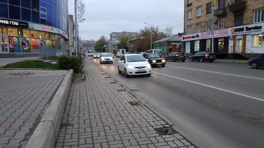 С улицы Вейнбаума исчезли пешеходные заборчики. Похоже, навсегда