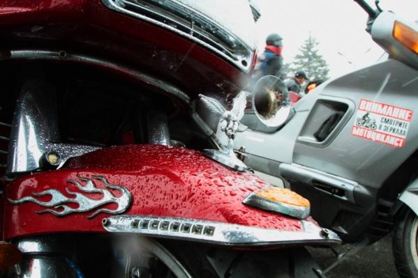 Угонщик спрятал мотоцикл у себя в гараже