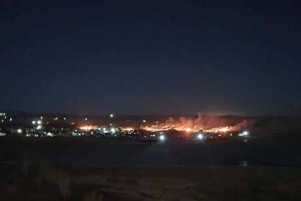 Ночной пожар в Минино
