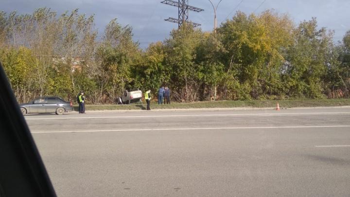 «Поймал попутку и уехал»: в Екатеринбурге ищут водителя, который скрылся после аварии