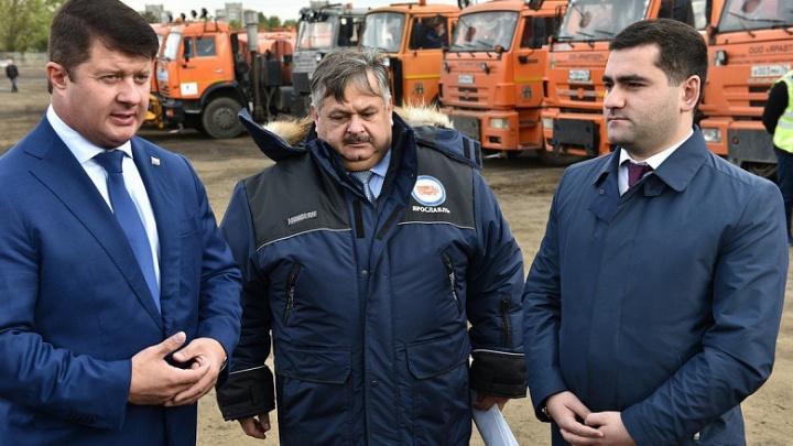 В снегопады пусть выручают субподрядчики: Владимир Слепцов оценил подготовку коммунальщиков к зиме