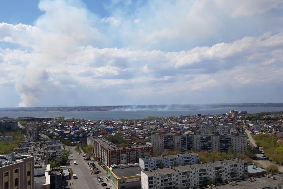 Сильный ветер несёт дым в Челябинск
