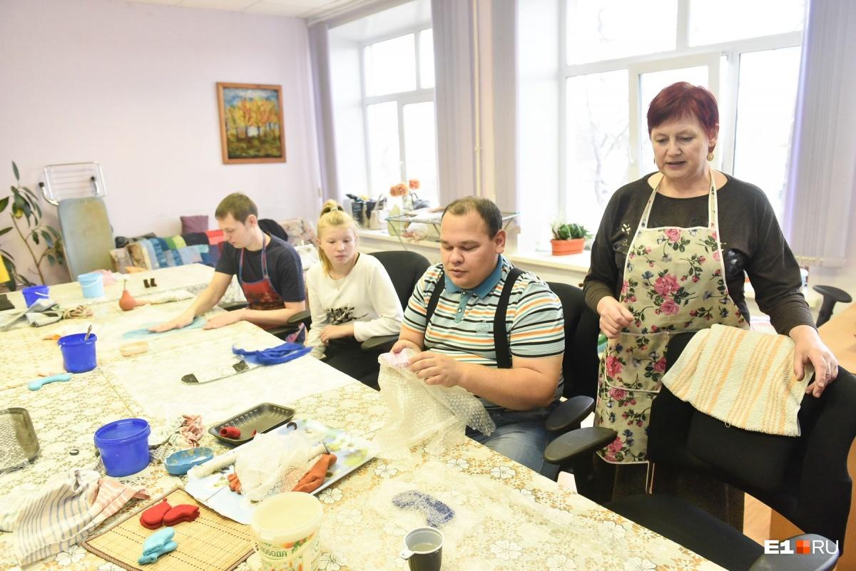 В мастерских «Благого дела» занимаются взрослые люди с инвалидностью