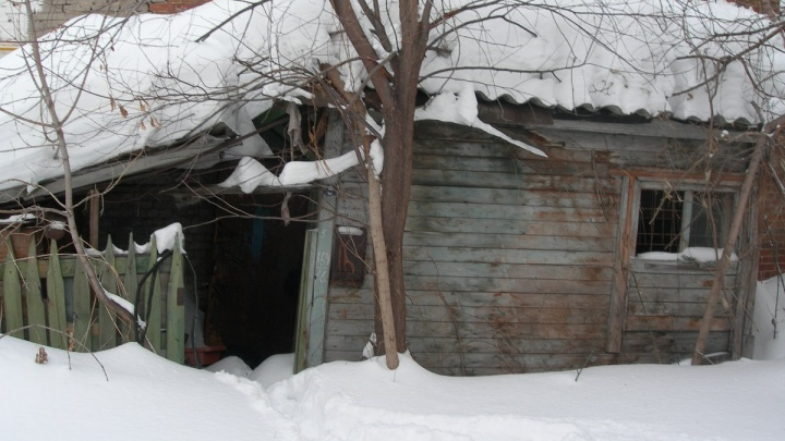 В Самаре квартиру девочек-сирот довели до состояния помойки