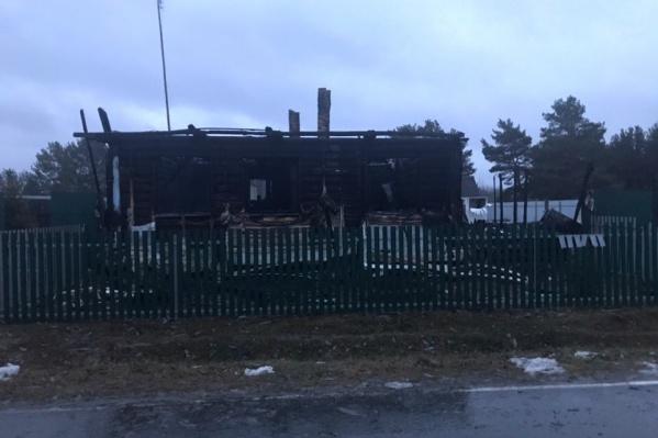 Пожар произошел в деревне Варвара на улице Ермаковской