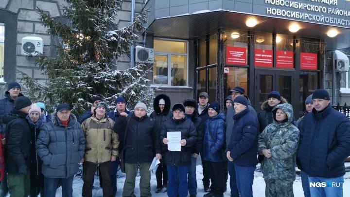 «Там порядка 7000 гектаров»: 40 новосибирцев потребовали от властей вернуть земли и раздать их льготникам