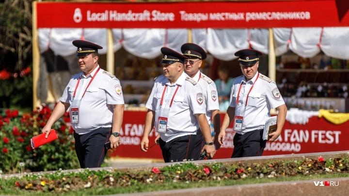 В Волгограде с бизнесменом не расплатились за перевозку полиции на чемпионате мира по футболу — 2018