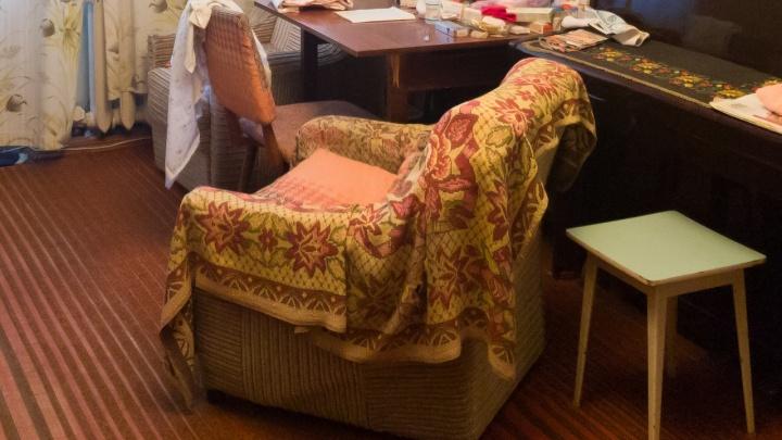 Хотела продать кресло: житель Новосибирска стал на 800 тысяч богаче благодаря волгоградской бабушке