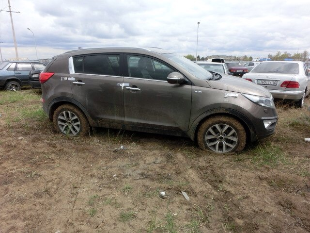 Десятки угнанных авто стоят на штрафстоянках в Казахстане