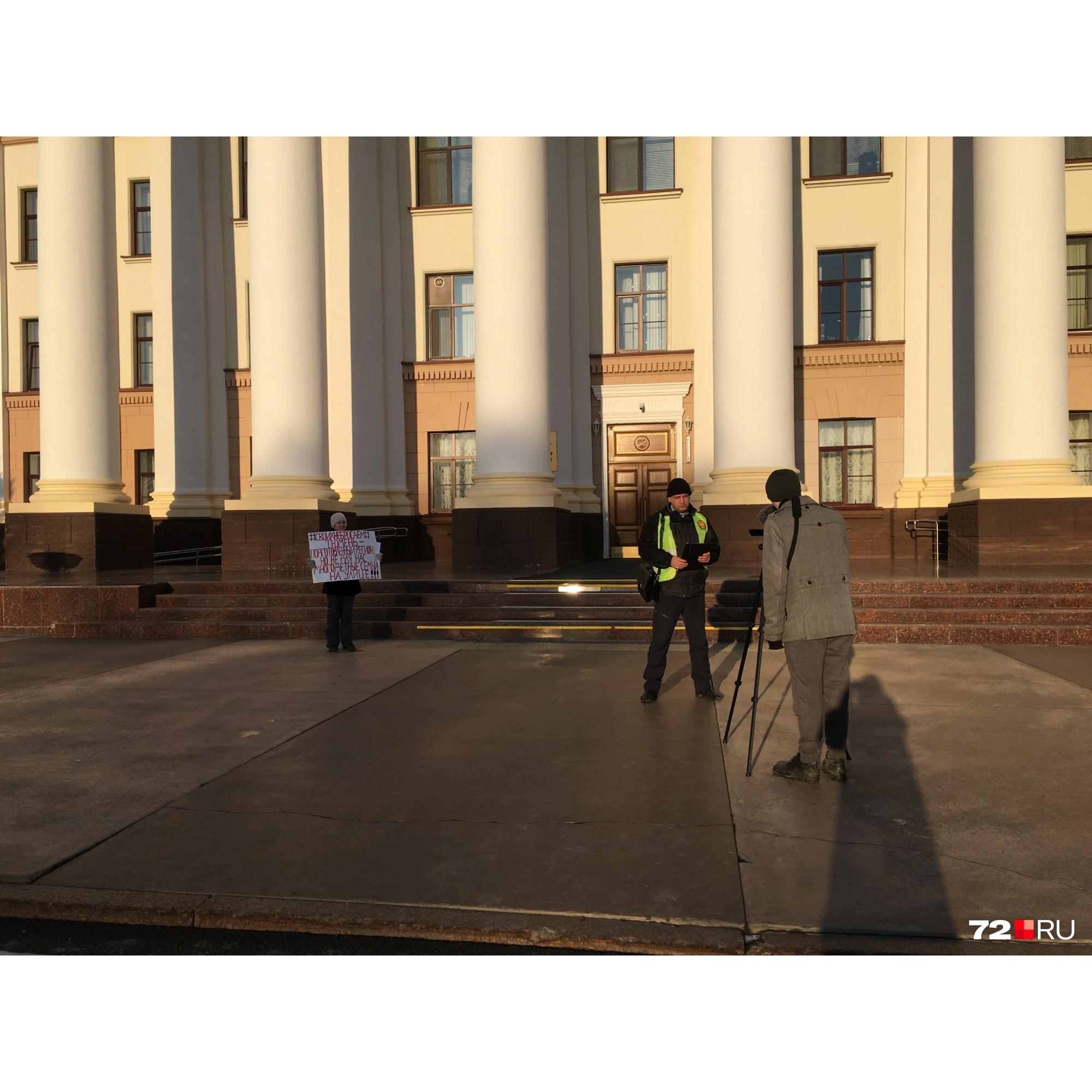 Анатолий Княжев 15 февраля провел круглый стол о проблеме многодетных семей, на который звал чиновников правительства. По его словам, никто не пришел