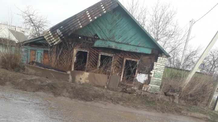 Мужчина заживо сгорел в частном доме на юге Волгограда