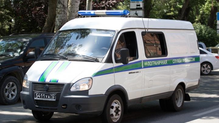 Донские пограничники задержали педофила, которого искали по всей России девять лет