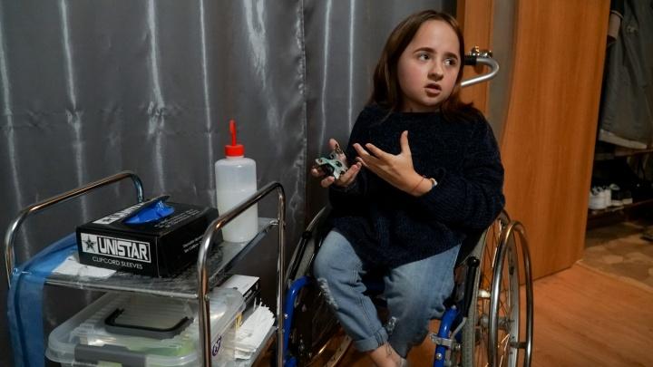 50 переломов за 17 лет. Как в Прикамье живёт хрустальная девушка с несовершенным остеогенезом