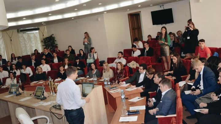 В Ростове могут появиться горячие лавочки: проект студентов ЮРИУ РАНХиГС поддержал Южный IT-парк