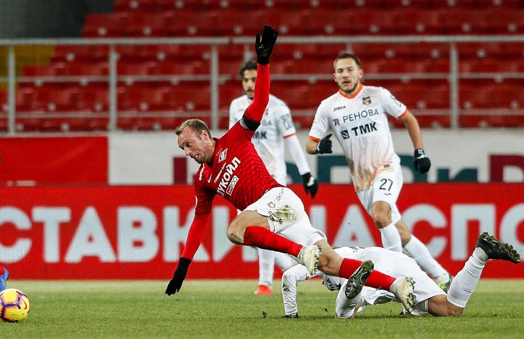 Главный тренер «Спартака» вновь с первых минут выпустил Глушакова