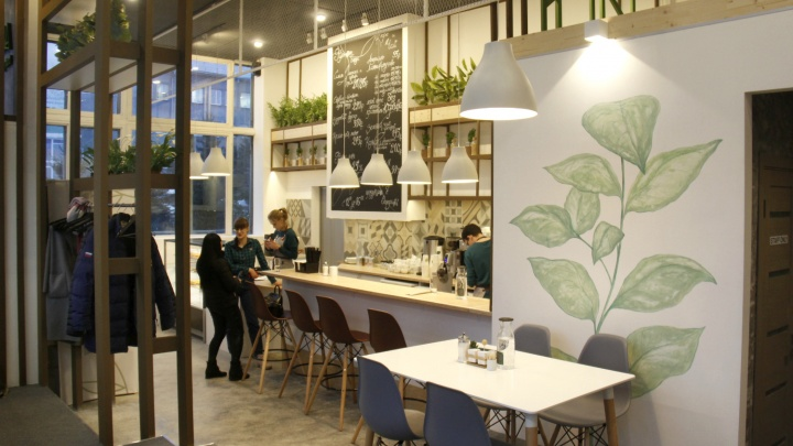 В здании завода на улице Кирова открылось кафе здоровой еды с лимонадом из бузины и гречневым чаем