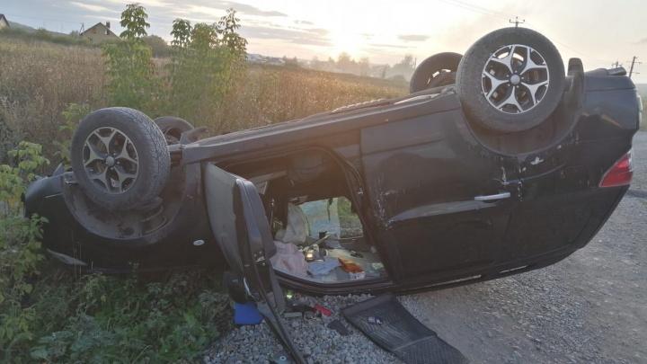 В Башкирии перевернулась иномарка с пьяным водителем за рулем — момент попал на видео