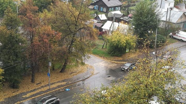 Опасная яма появилась на улице Никитина после капитального ремонта