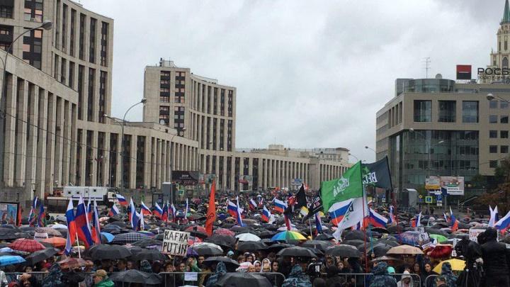 «В автозаке забавно»: челябинец, перебравшийся в Москву, задержан на митинге на проспекте Сахарова