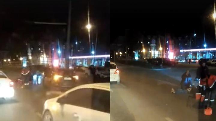 «Лежал без сознания»: на Московском шоссе мужчина попал под колеса кроссовера