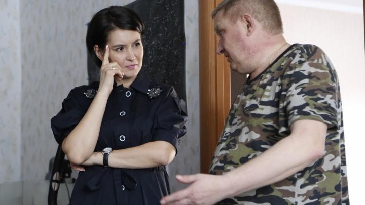 «Помыть пол — 600 рублей»: на Южном Урале отцу-одиночке выставили счёт за «бесплатного» соцработника