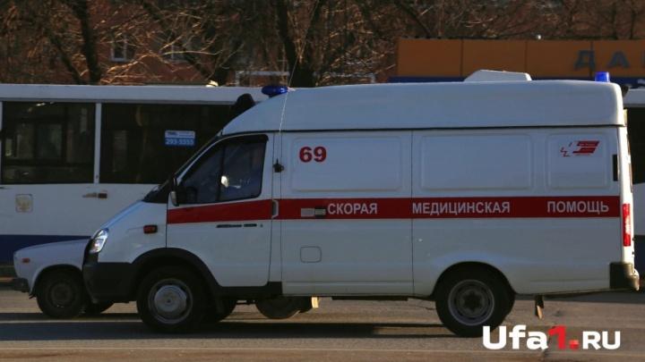 Соседские разборки: под Уфой скорой заблокировали дорогу к больному 5-месячному ребенку